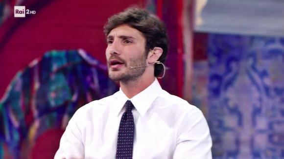 """Stefano De Martino si sfoga in diretta su Belen: """"E basta…a voi che ve ne fot.."""""""