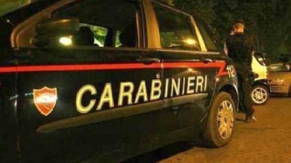 """Bologna, lei lo attende in camera, ma lui chiama i carabinieri: """"Pensavo di avere i ladri in casa"""""""