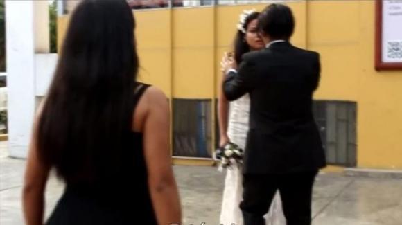 """Amante dello sposo interrompe il matrimonio e rivela: """"Sono incinta, questo è tuo figlio"""""""