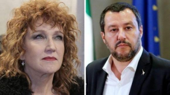 """Fiorella Mannoia contro la Lega su Twitter: """"Miserabili"""""""
