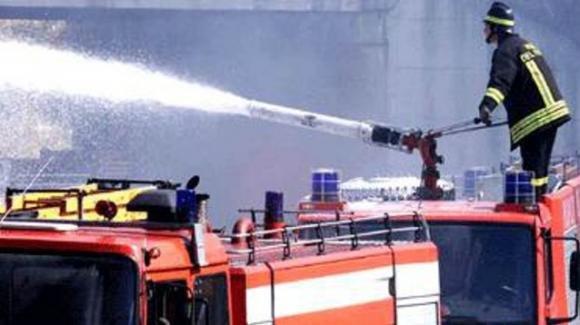 Isnello: divampa incendio in una casa. Uomo salva la vita di 4 bambini