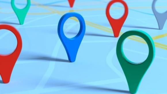 Google Maps: trasformazione in social, banner anti-coronavirus, badge pro comunità di colore