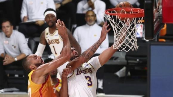 NBA 2020: Lakers avanti di forza sui Jazz, Raptors vincenti contro gli Heat