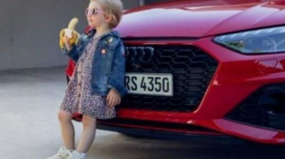 Audi: è polemica per lo spot con la bambina che mangia la banana