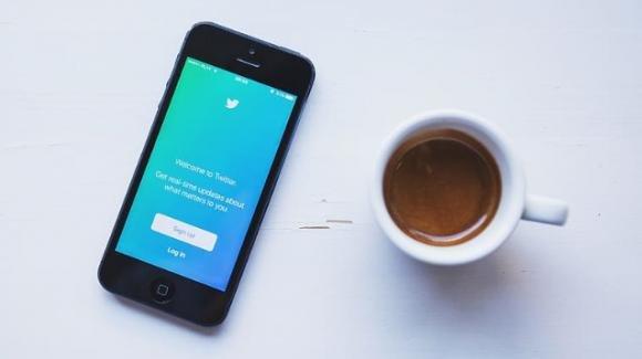 Twitter: su iOS più utenti possono decidere chi risponde ai loro tweet
