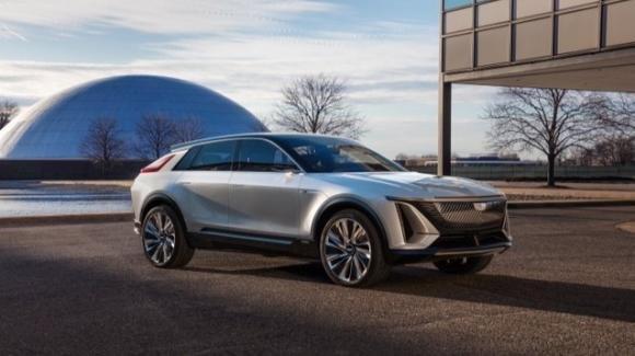 Cadillac Lyriq: ecco il futuro crossover elettrico di lusso iper autonomo