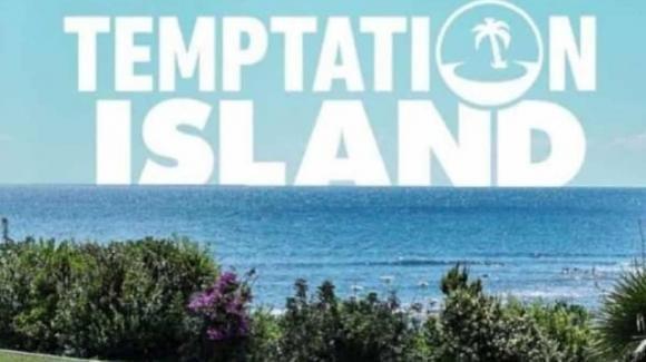 """""""Temptation Island"""", villaggio in fiamme: cosa cambia nella nuova edizione in onda a settembre"""