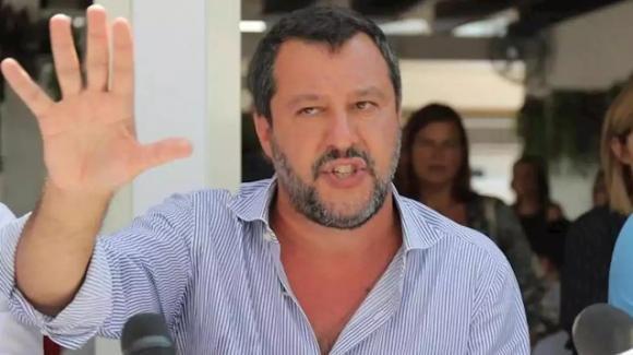"""Matteo Salvini: """"Il problema non sono i ragazzi che ballano, ma chi sbarca"""""""