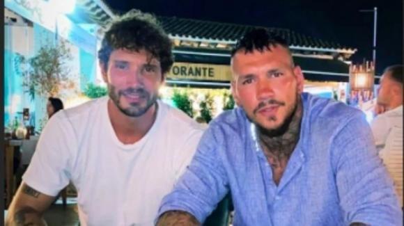 Stefano De Martino e Daniele Scardina insieme ad Ibiza: la riconquista delle ex