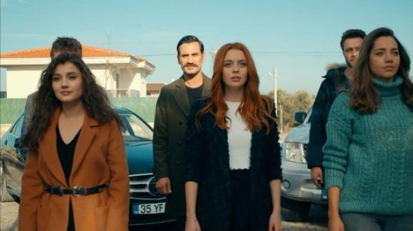 Come sorelle, anticipazioni settima puntata del 21 agosto: Sinan dichiara il suo amore a Ipek, Cahide si libera di Cemal