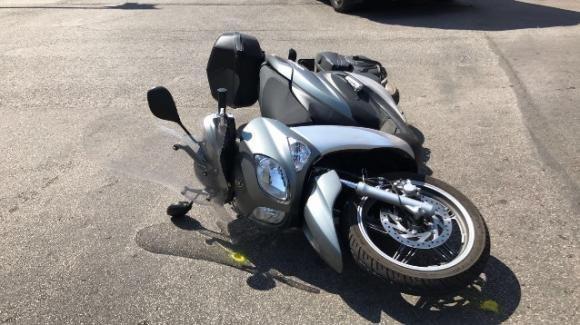 Genova: rapinano scooterista che aveva rubato la moto su cui viaggiava, tutti denunciati