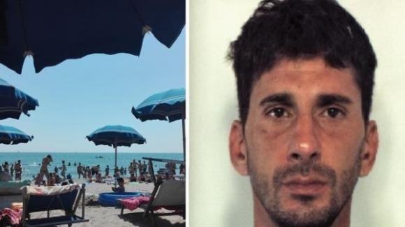 """Catania: va a rubare in spiaggia, ma non vede che è nel """"lido dei carabinieri"""". Arrestato"""