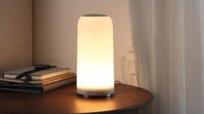 AUKEY LT-T7: la lampada da comodino touch multicolore