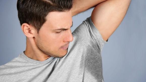 Scoperto l'enzima che causa il cattivo odore sotto le ascelle