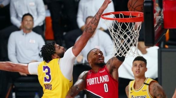 NBA Playoffs 2020: i Lakers si riscattano affossando i Trail Blazers