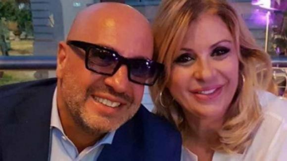 Tina Cipollari e Vincenzo Ferrara scacciano via le voci di crisi: luna di miele anticipata per la coppia