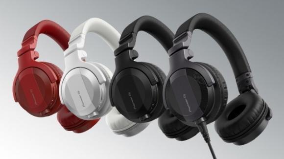 AlphaTheta presenta le nuove cuffie HDJ-CUE1, cablate e non, della serie Pioneer DJ