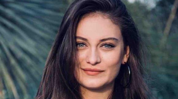 """""""Come sorelle"""", Elifcan Ongurlar svela il rapporto che la lega con Çilem: """"Ha arricchito la mia vita, ho imparato tanto"""""""