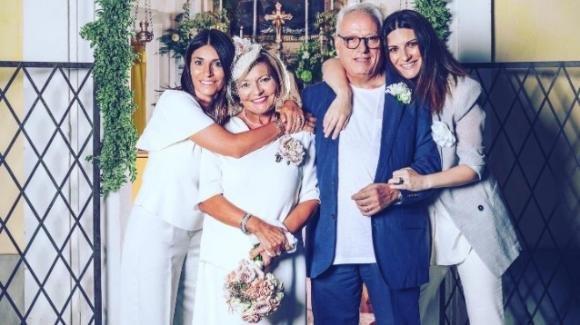 """Laura Pausini alle seconde nozze dei genitori dopo 50 anni """"Un esempio per noi e per i nostri figli"""""""