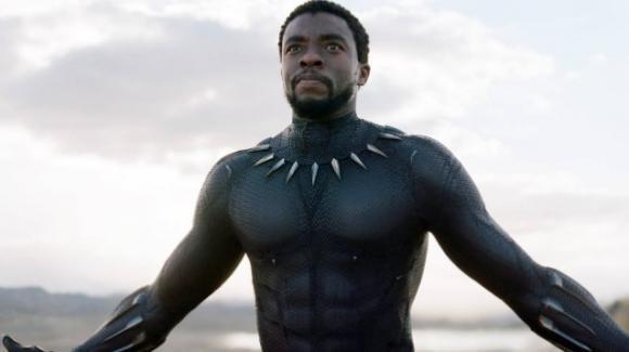 """Addio a Chadwick Boseman, la star di """"Black Panther"""" muore di cancro a 43 anni"""