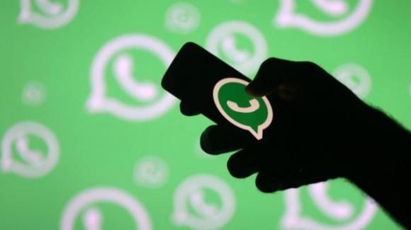 WhatsApp: in lavorazione una miglior gestione degli sfondi per le chat