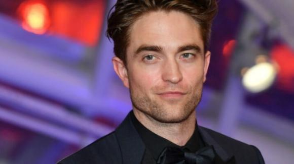 """Robert Pattinson positivo al Covid-19, stop alle riprese di """"The Batman"""""""
