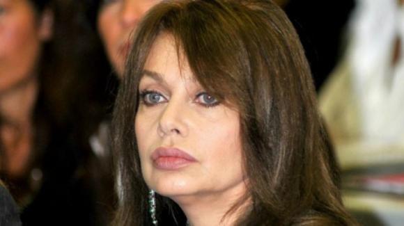 Veronica Lario rompe il silenzio e scrive una lettera a Berlusconi dopo 12 anni