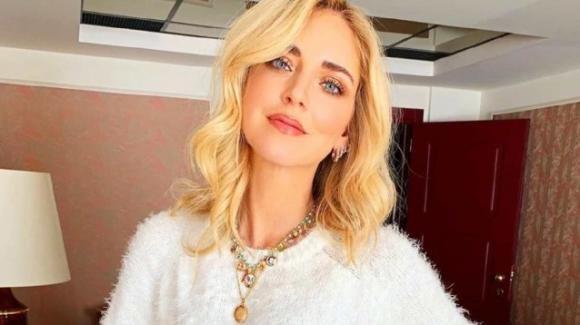 """Chiara Ferragni in vacanza in un hotel di lusso. Gli haters: """"Sei una scroccona"""""""