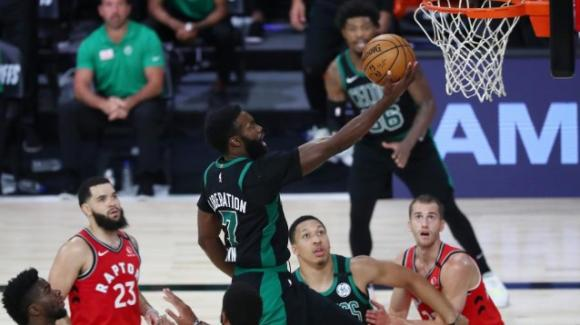 NBA Playoffs 2020: i Celtics si abbattono sui Raptors, vantaggio nella serie per i Clippers contro i Nuggets
