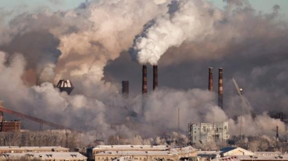 L'Agenzia Europea per l'Ambiente: un decesso ogni otto è legato all'inquinamento