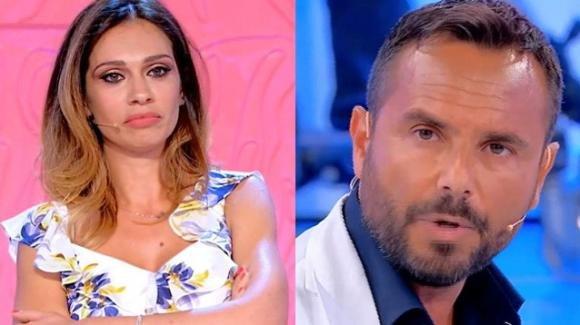 Uomini e Donne, continua lo scontro tra Enzo e Pamela: la segnalazione della Barretta alla redazione