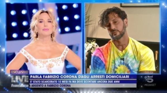 """Live – Non è la D'Urso, Fabrizio Corona parla delle sue ex e aggiunge: """"Non sono più quello di prima"""""""