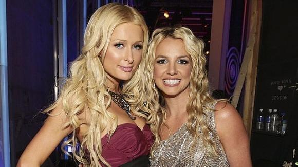 """Paris Hilton su Britney Spears: """"Non ha il controllo su nulla"""""""