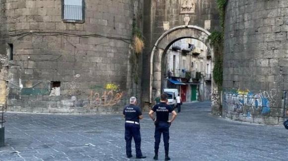 Napoli: 14 vigili asintomatici positivi, 150 in quarantena