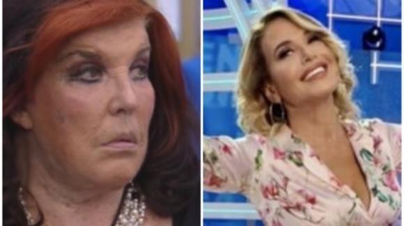 """Domenica Live, confessione su Patrizia De Blanck: """"Non si lava, lo sa tutta Roma"""". La reazione della D'Urso"""