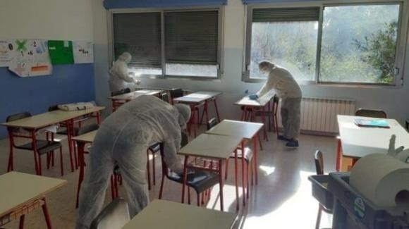 Milano, 439 studenti sono positivi al Coronavirus: chiuse 43 classi lombarde