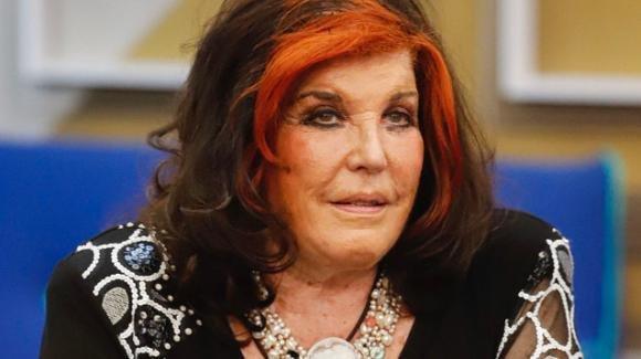 GF Vip, Patrizia De Blanck non si fa lo shampoo da nove giorni: interviene Myriam Catania