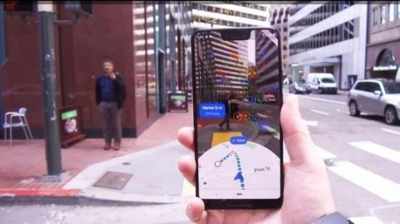 Google Maps: dark mode in roll-out, carrellata di novità per Live View