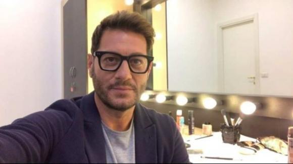 """Enrico Papi contro il coming out di Gabriel Garko: """"Non è servito a nulla"""""""