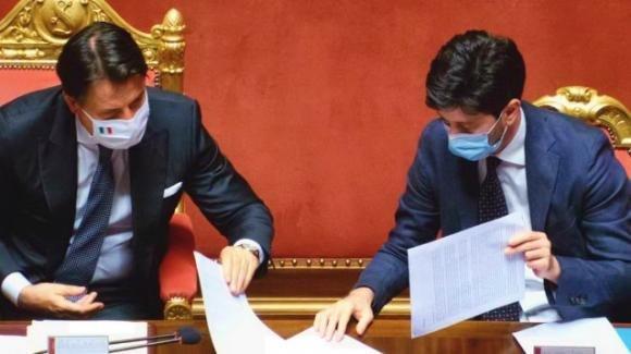 Covid, firmato da Conte e Speranza il dpcm: nuove misure in vigore per 30 giorni