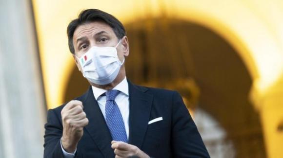 """Dpcm, Giuseppe Conte assicura di non voler mandare la Polizia a casa: """"Ma bisogna avere dei comportamenti prudenti"""""""