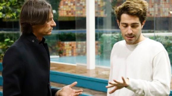 """GF Vip, Tommaso Zorzi rivela di essersi innamorato di Francesco Oppini. Ma lui non ci sta: """"Se è uno scherzo vado via!"""""""