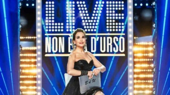 Live – Non è la D'Urso, le anticipazioni: Fabrizio Corona sarà uno degli ospiti della diretta