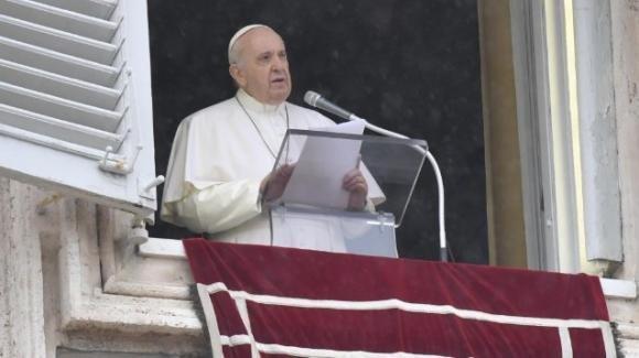 Papa Francesco: la moneta di Cesare va restituita, l'immagine di Dio va riconosciuta