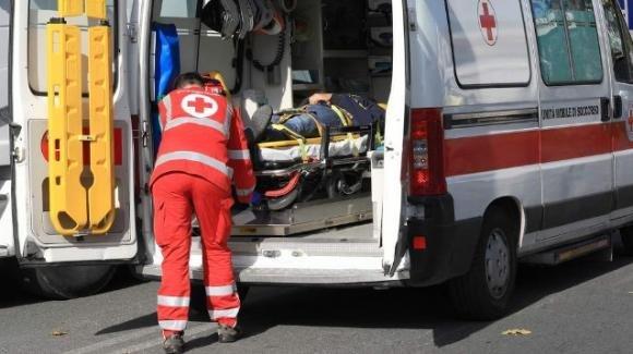 Verona, beve sturante per scarichi per evitare l'alcool test: finisce in ospedale