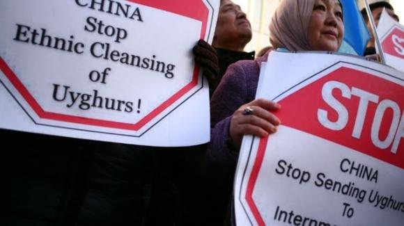 Stupri e campi di concentramento: la silenziosa tragedia delle donne in Cina