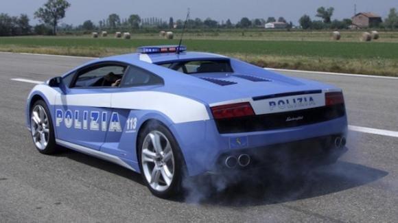 Lamborghini della polizia trasporta organo a tempo di record: 230 km/h per salvare una vita umana
