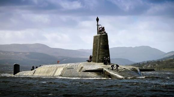 Inghilterra: droga e sesso nel sottomarino nucleare, il responsabile dei missili trovato ubriaco