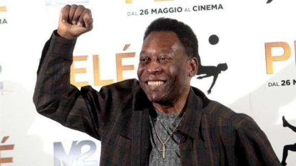 Brasile: 80 candeline per il mito del calcio Pelé