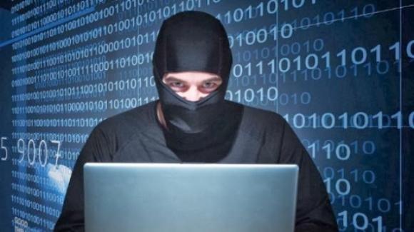 Attenzione: pericoli digitali da estensioni per browser, giochi e kids app per smartphone